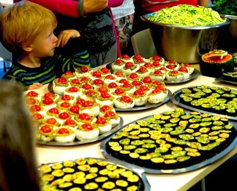 Pokrmy z živého raw jídla jsou chutné a rozmanité a získávají si stále více příznivců